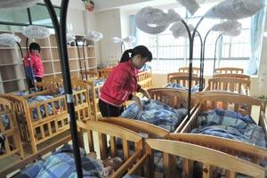 惠州无民间孤儿收养所 全市700孤儿200人在福利院
