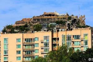 北京教授26层楼顶建超级别墅 称名人常来不怕被告