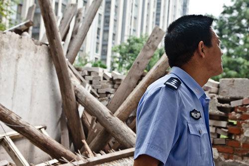 北京警察遭强拆:自家都保不了 怎么保护老百姓