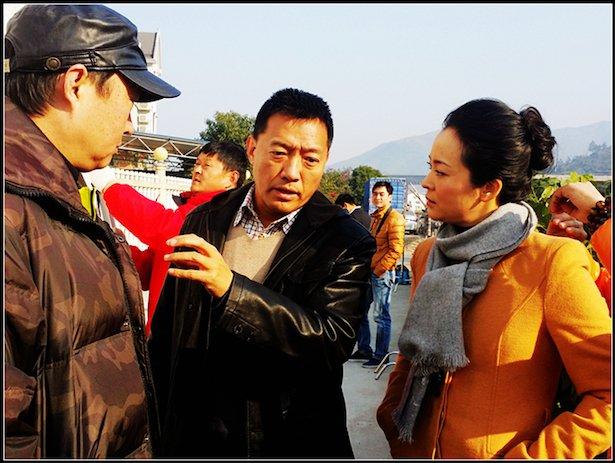 """李梦男上任《华侨村官》 搭档王嘉""""新媳妇"""""""