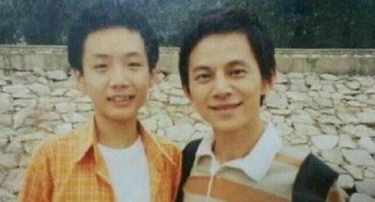 网曝何炅11年前旧照对比 众人齐赞不老容颜
