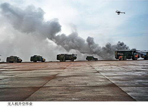 二炮某应急处置大队进行核生化救援实战演练
