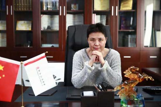 李明妻子成小马新任董事长:曾是丈夫重要智囊