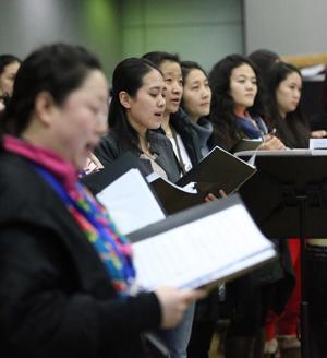 2014全球华人新春音乐盛典举行 多位艺术家登台