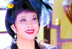 演少女惹争议 刘晓庆:中国女人放弃自己太早