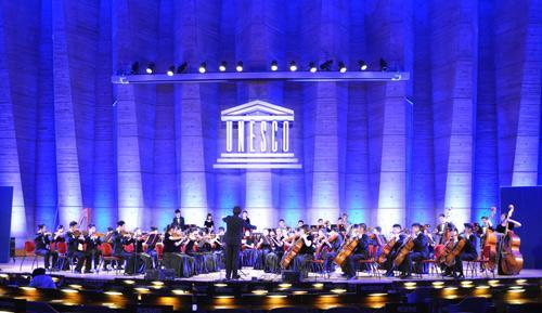 人大附中交响乐团赴联合国演出 庆祝法中建交50年