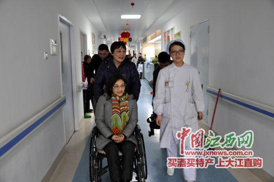 少女被男子从5楼抛下瘫痪 10年后考入中央美院