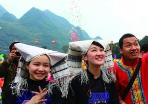 香港最小清新的文化旅行团 大学教授当导游