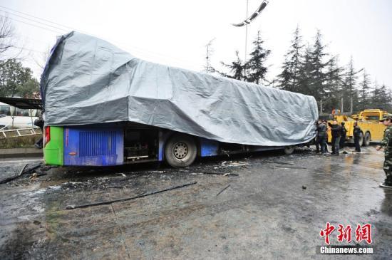 贵阳公交车燃烧事故遇难者身份确定 最小4个月