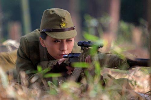 《狼烟遍地》收视飘红 丁子玲成功演绎多面女人
