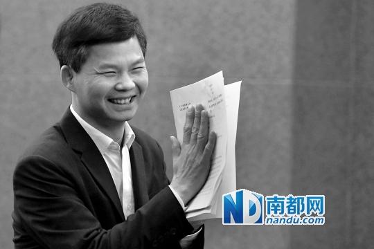原广州公安局处长笑而不语避答为何弃政从商