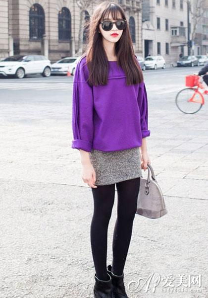 短款卫衣+半身裙 青春可爱超减龄
