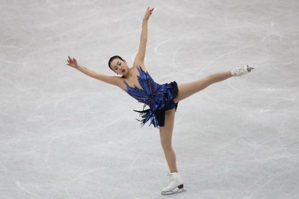 浅田退役将影响多方利益 媒体:她可顶5个J联赛!