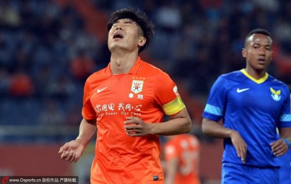 中超-于汉超孙铂破门 阿尔滨客场2-1送鲁能2连败