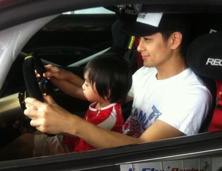 林志颖自曝年轻时爱飙车 希望Kimi子承父业