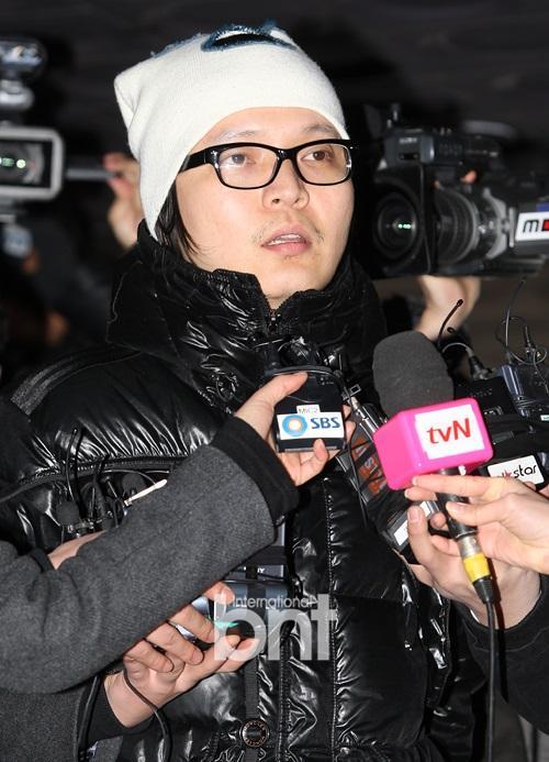 涉赌韩星申正焕被爆与设计师女友交往数月