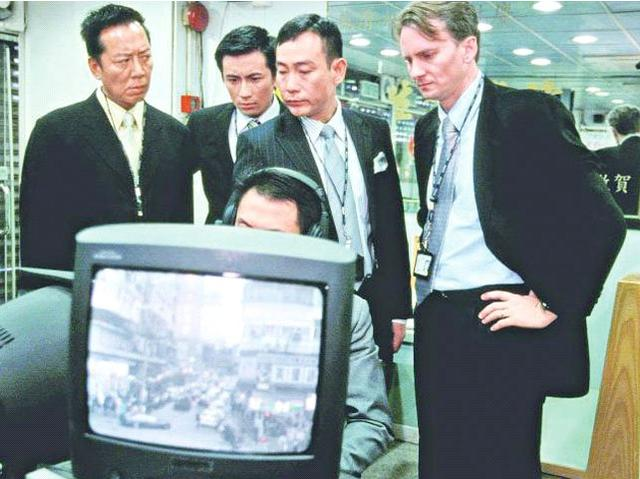 TVB外籍演员生存状况:警司专业户摆摊卖首饰