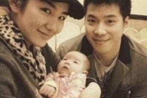 黄奕正式起诉黄毅清侵权 要求离婚