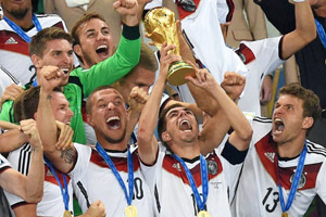 【数据汇】德国夺冠揽3500万美元奖金 盘点本届世界杯数字