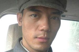 演员何盛东在公寓内吸毒被抓 已行政拘留
