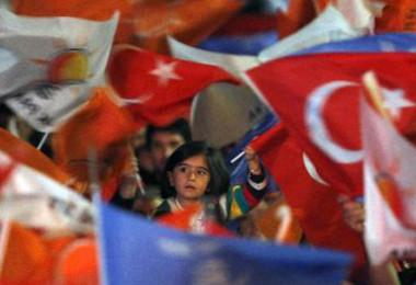 土耳其首位直选总统诞生 选举被抨击不公平