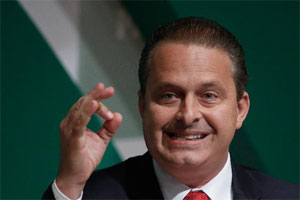 又一架飞机坠了 巴西总统候选人坎波斯因飞机失事丧生