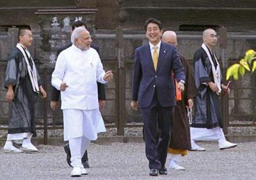 印度总理访日会安倍 或提升安全防卫合作