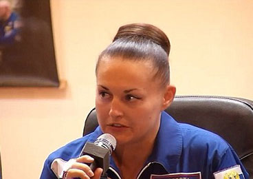 NASA发布会记者只知问发型 惹怒俄罗斯女宇航员