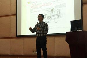羊城晚报首席评论员何龙:中国好记者是顶尖的文字游戏玩家