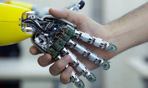 【图说财经】亚马逊部署机器人处理订单 盘点人类将下岗的十大工作