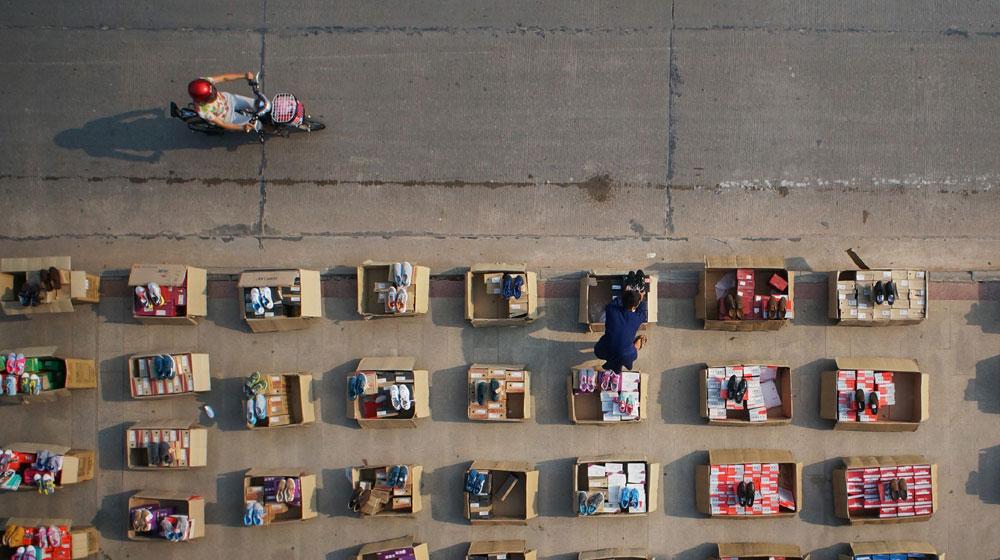 深视觉:航拍镜头中的户外劳作